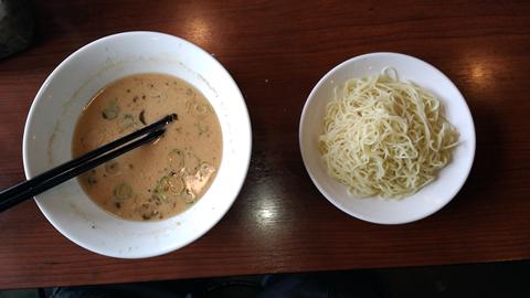 豚骨ラーメン_哲麺